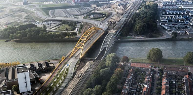 Spoorbrug-Adam-Rijnkanaal